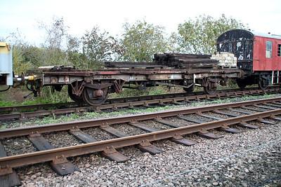 400053 32t RRA Flat at Wansford  21/10/13.