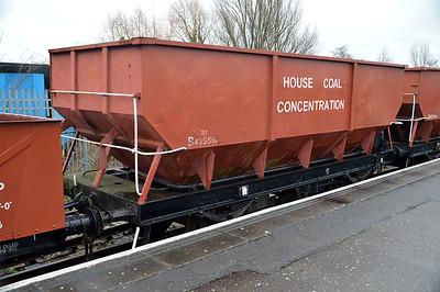 B425561 21t Steel Coal Hopper at Nene Station   13/02/16.