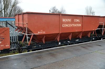 B431752 21t Steel Coal Hopper at Nene Station   13/02/16.
