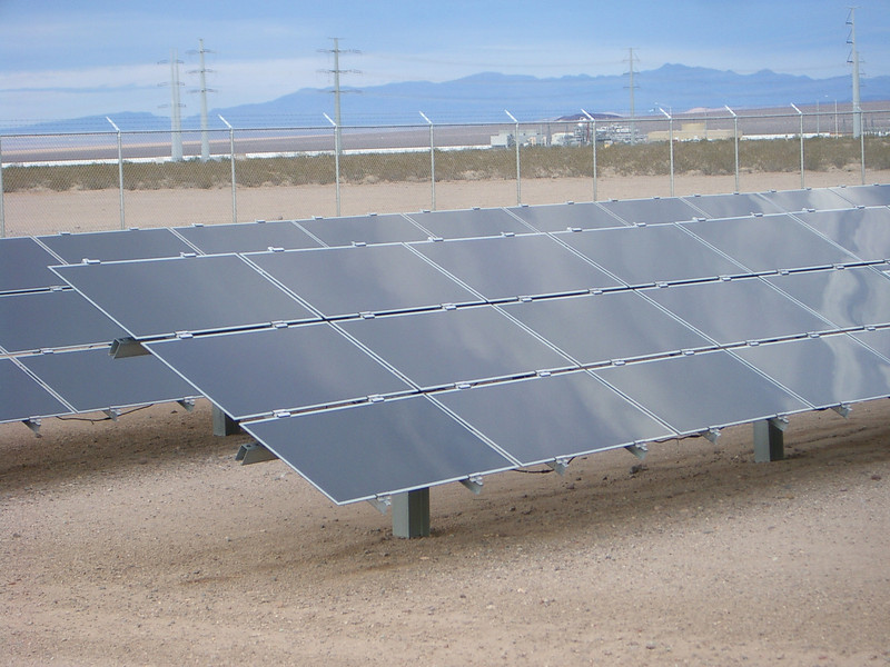 The panels seemed to be remarkably dust free, but we did visit within days after they had rains.