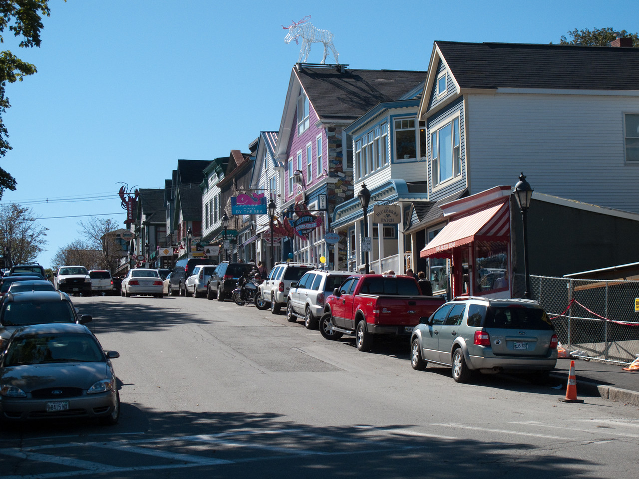 Main street commerce and tourism in Bar Harbor
