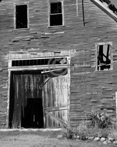 Old Barn 1 - B&W