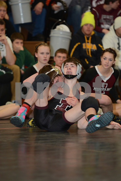 2014 New Hampton District<br /> 113<br /> 1st Place Match - Brandon Mayer (Crestwood) 37-2 won by decision over Mitch Evens (Independence) 33-18 (Dec 4-2)