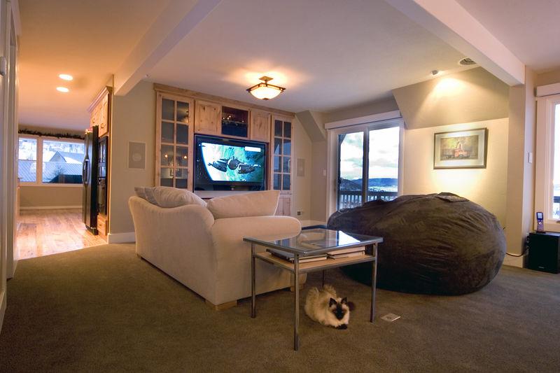 12/26/05 - Living Room