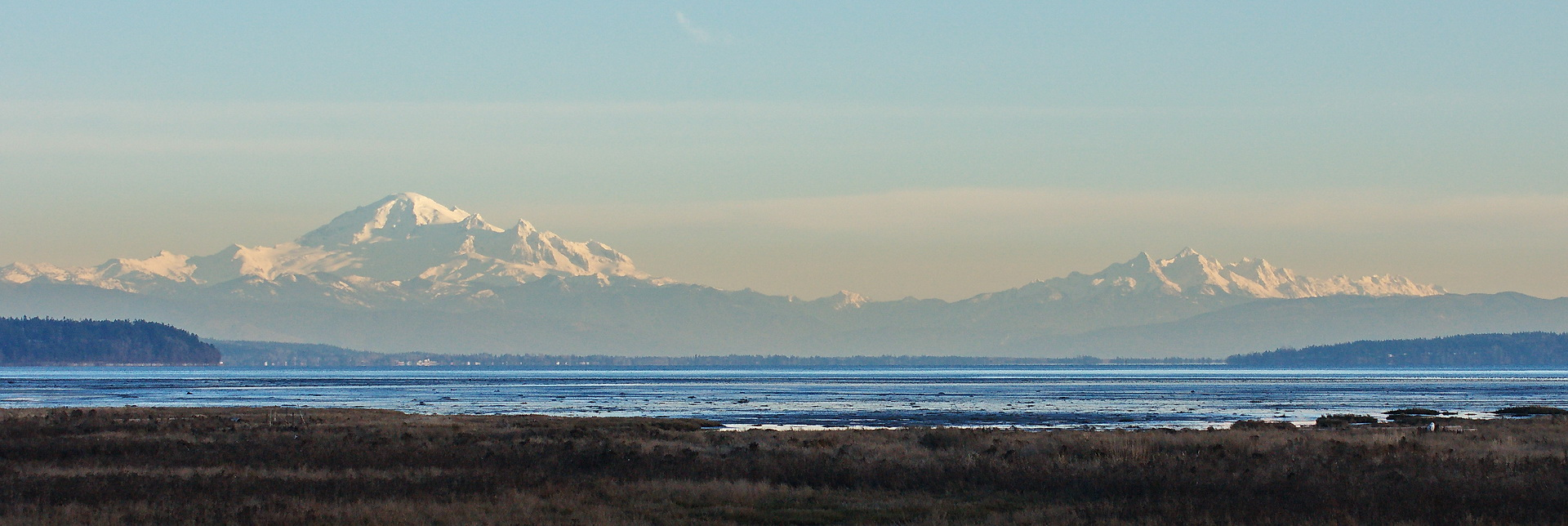 Mt. Baker and a range of the Twins and Sisters in Washington state. L-R North Twin, South Twin, Hayden Peak, Little Sister, Twin Sisters.