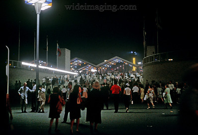 Gotham entrance ramp to the Willets Point Subway platform and LIRR station Labor Day 1965