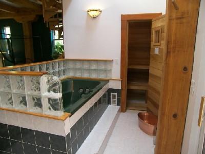 130 Jacuzzi-Sauna_495_371_90