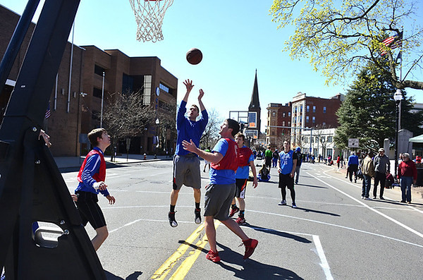 hoopsforhomeless2015-nb-032916-M