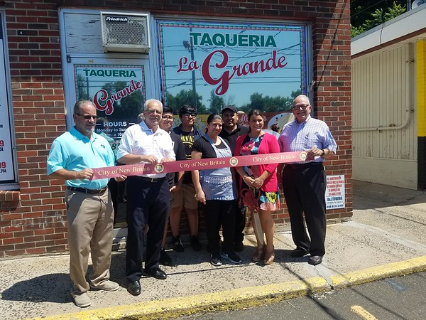Taqueria La Grande Ribbon Cutting