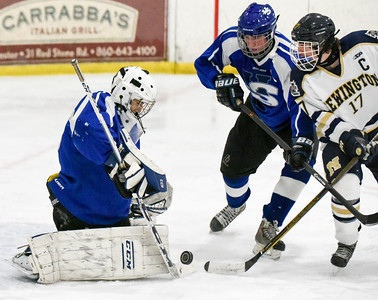 hallsouthington-ice-hockey-picks-up-win-over-newington-coop-with-late-goal