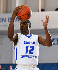 ccsu-mens-basketball-falls-to-umass-lowell