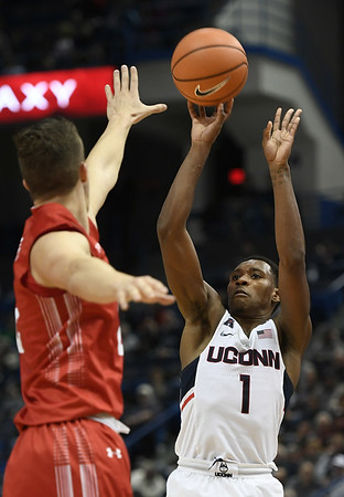 UConn men 11-19