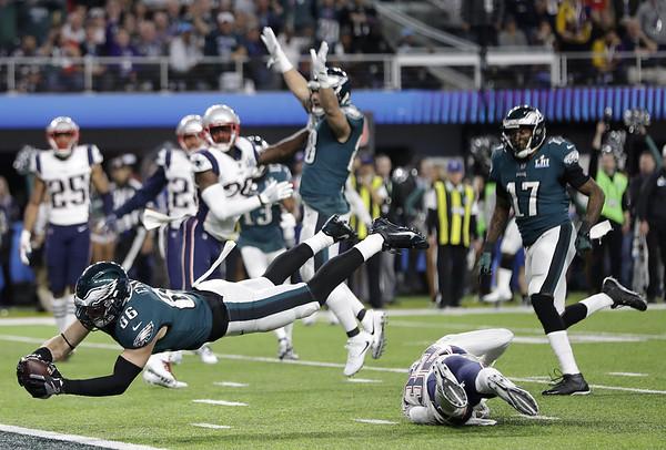 Super Bowl 52 2-4