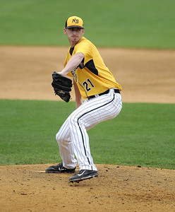 8/29/2017 Mike Orazzi   Staff New Britain Bees' Mike Hepple (21) during Tuesday's game with the Sugar Land Skeeters.