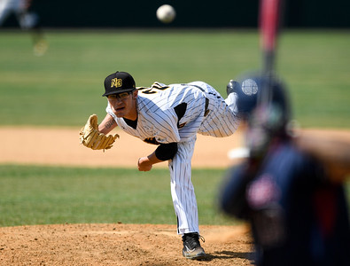 070417  Wesley Bunnell   Staff  The New Britain Bees were defeated by the Somerset Patriots on Tuesday afternoon. Brandon Fry (20) on in relief.