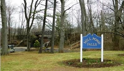 Mill pond falls 101221