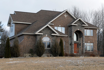 Neil and Elizabeth Vane sold property at 68 Castleberry Drive to Kevin Jordan for $169,000. Photo Erica Miller 1/30/12 0204_Transaction