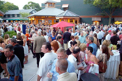 The yearling sales kicked off Monday evening at Fasig-Tipton with a backyard packed with equine enthusiasts in search for the perfect sale. Photo Erica Miller 8/2/10 news_HorseSale2_Tues