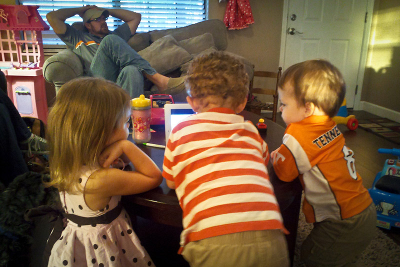 268/365 - September 29, 2012 - Side Tracked <br /> <br /> Today we had some friends over to watch the UT-Georgia football game.  The action was exciting enough to keep the adults entertained.  However, the kids were more interested in an episode of the Imagination Movers on Lisa's iPad.