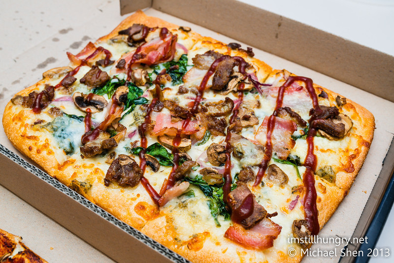 P3.6 / Different global tastes in pizza<br /> <br /> Choice 1 of 8<br /> <br /> Dominos Shiraz braised lamb shank, fresh tomato, mushroom, capsicum,<br /> red onion & mozzarella topped with mint yoghurt sauce from New Zealand