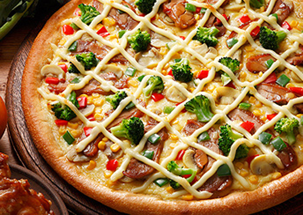 P3.6 / Different global tastes in pizza<br /> <br /> Choice 8 of 8<br /> <br /> Chicken Teriyaki pizza (which is topped with mayo, corn, teriyaki chicken, red bell pepper, mushrooms and broccoli.)