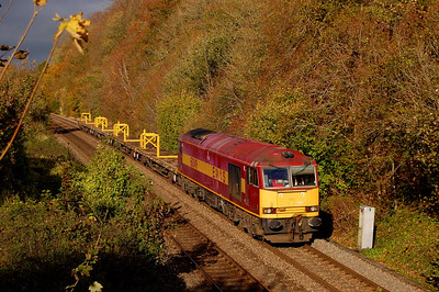 60049 6o41 1014 westbury to eastleigh pass norton bavant 7 nov.now im called sun god!!!!