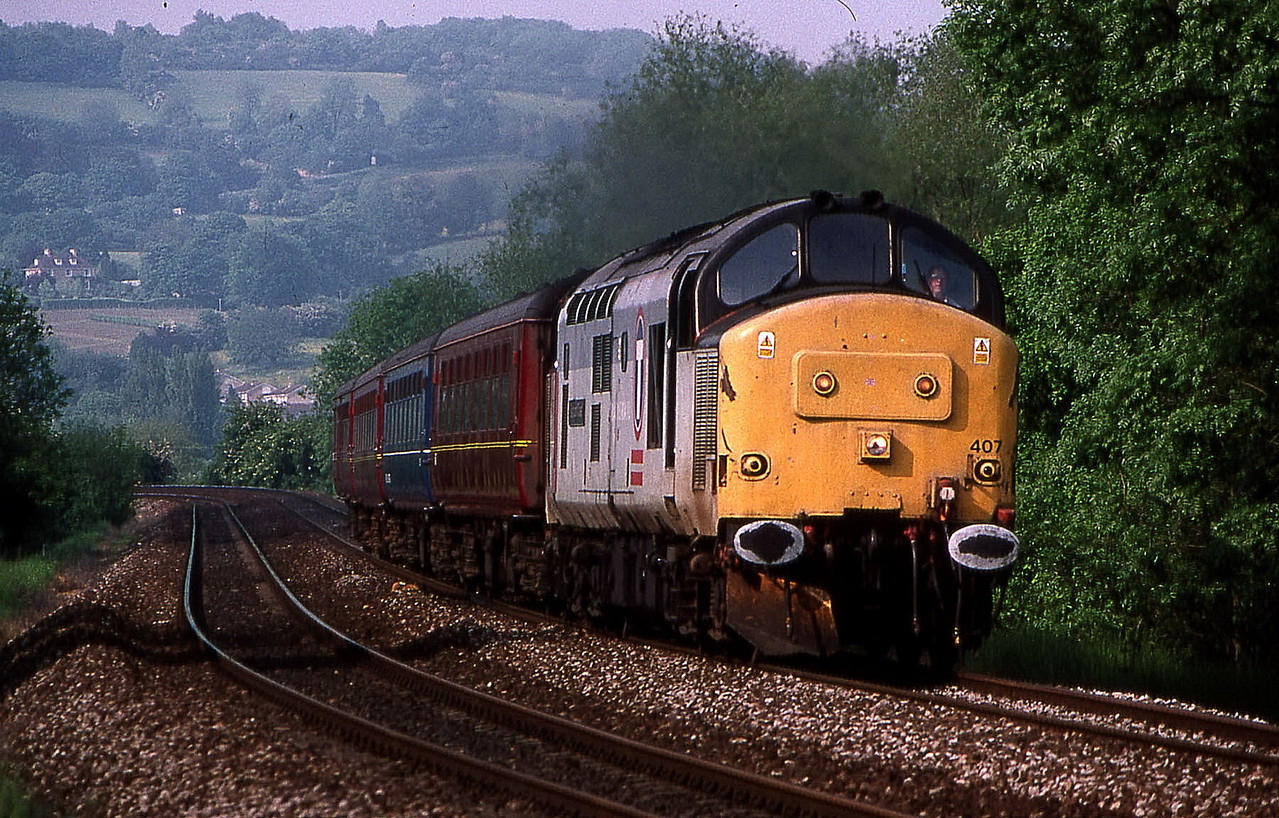 37407 pass bathford 19 may 1999.this was not a trespass shot as canal towpath was shut and temporary footpath installed.next shot you can see path