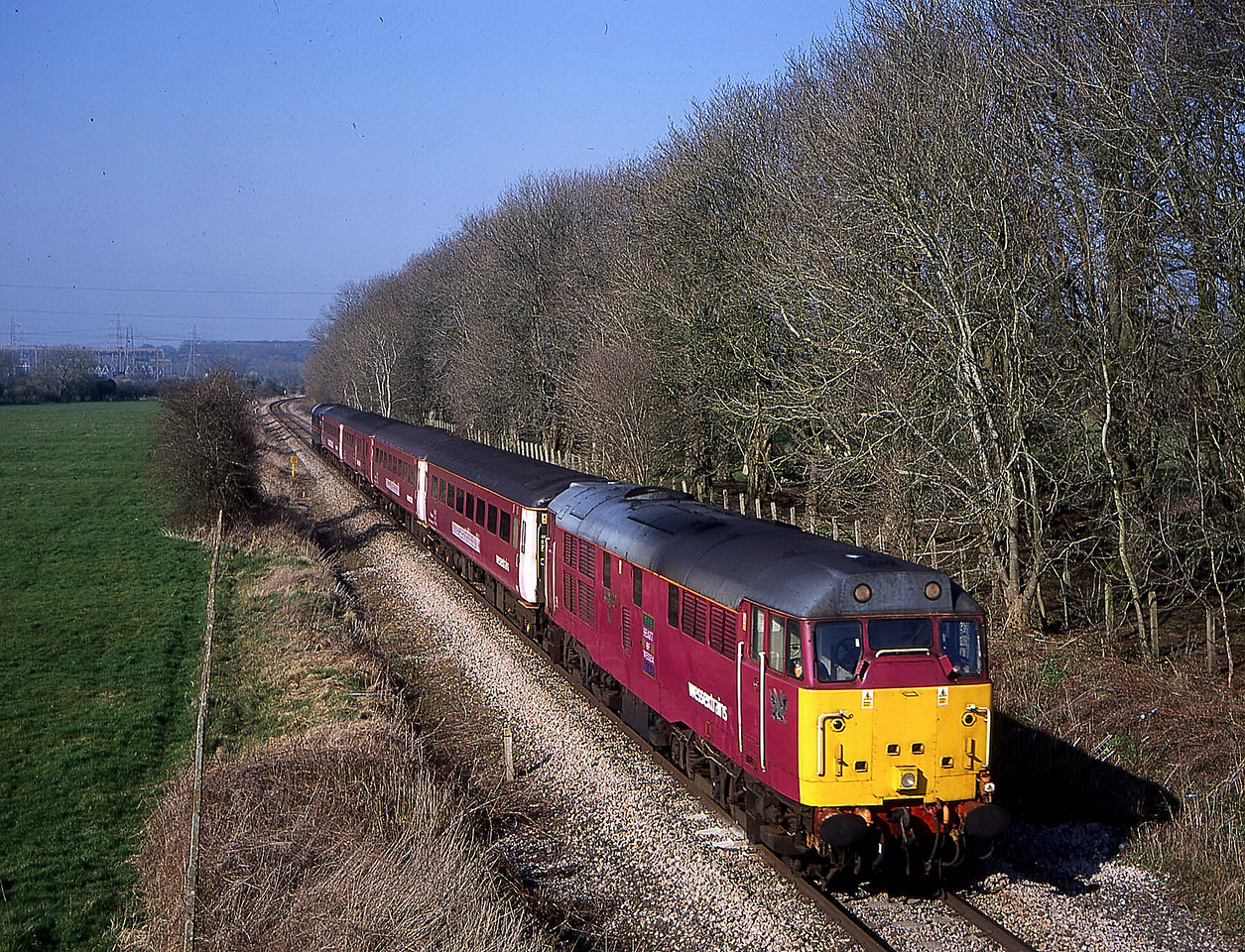 31601 leading 31459 on 1423 swindon to soton on single line at melksham 19 march