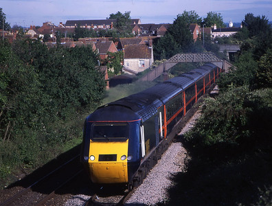 43290 43008 1c02 0735 bristol to paignton pass trowbridge 2 june.wanted to do this shot as my flat in background!!!!!