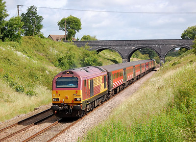67020 leading 2z30 0946 swindon to taunton in conjunction with the glastonbury festival 26 june 2008
