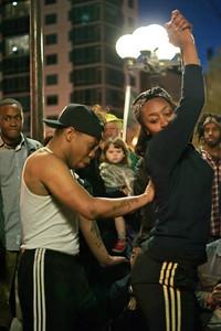 Street Dancers at NYC's Union Square ref: e4081b7e-1914-4125-bc37-8d49129da40d