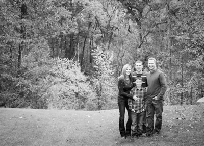 Fam in Woods bw (1 of 1)