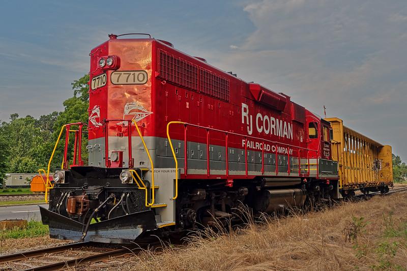 RJ Corman Locomotive 7710