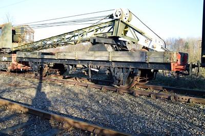 DE321051 LNER Crane Runner with DRS81140      29/12/15