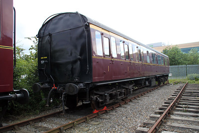 Ex Kings Cross Suburban coach E43010 CL     23/06/12.