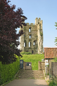 Picture 076 Helmsley Castle, August 2002 SM