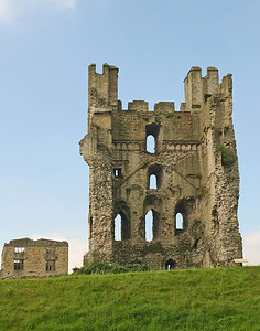 Picture 080 Helmsley Castle, August 2002 SM