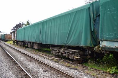 XP64 TSO 4728 at the siding between Pickering and Newbridge Yd.