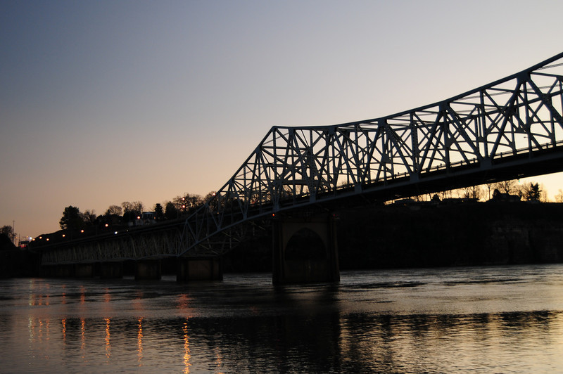 These next couple of photos are the O'Neil Bridge as the sun goes down.