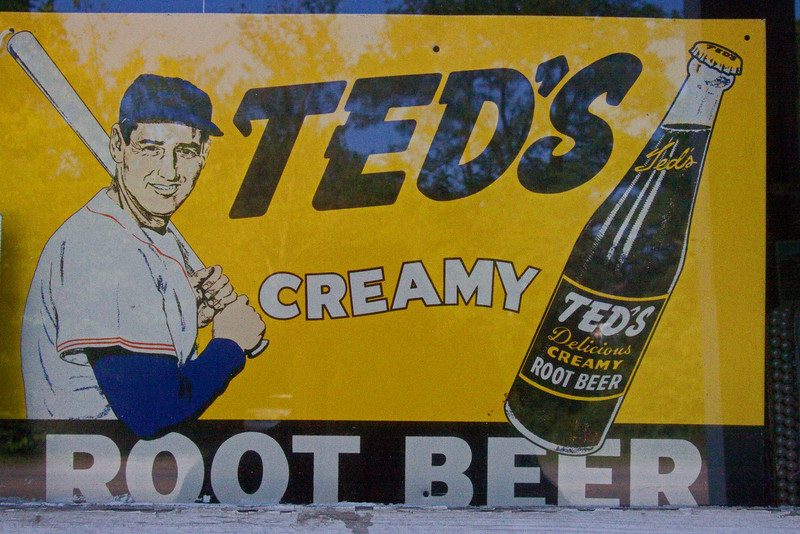 I had never heard of  Ted's Root beer  and didn't know Ted Williams put his name to one.