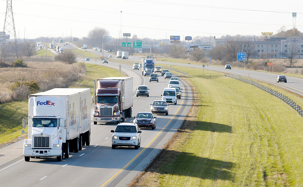 Don Knight/The Herald Bulletin<br /> Traffic on Interstate 69 looking southbound from the bridge on County Road  200 East.