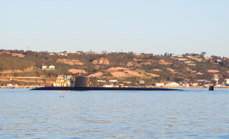 Nuclear Submarine  San Diego waters 2011 12 07 (5 of 6).CR2