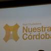 Proyección del logo de Nuestra Córdoba en monocromía.