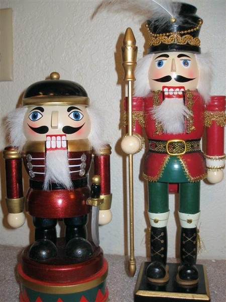 2006<br /> (the one on the left is also a music box)