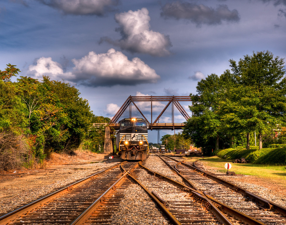 Historic 6th Street Bridge from the tracks, scheduled for demolition in 2011.