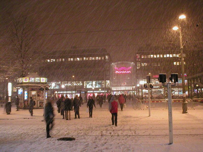 2005-11-28. Brunnsparken, Göteborg [SWE] Det första snöfallet / The first snowfall.
