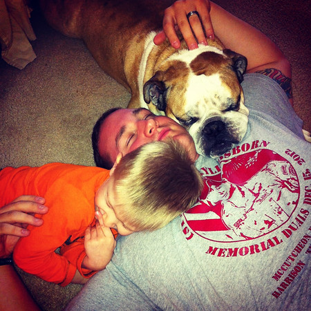 A daddy an his two boys.<br /> <br /> Photographer's Name: Dana Clapper<br /> Photographer's City and State: Anderson, Ind.