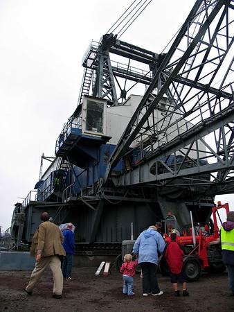 'Oddball' the walking drag crane
