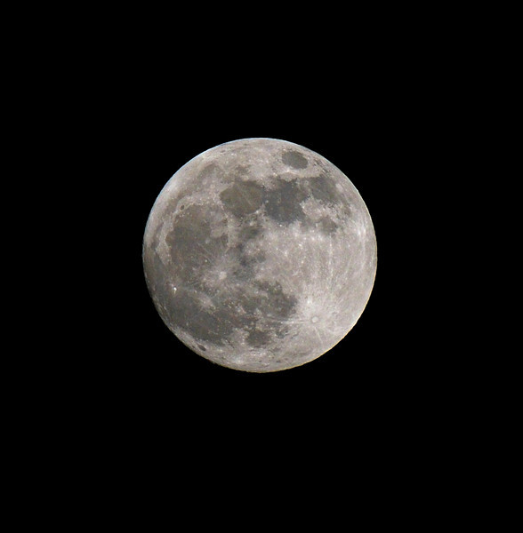 Perigee Moon, London, January