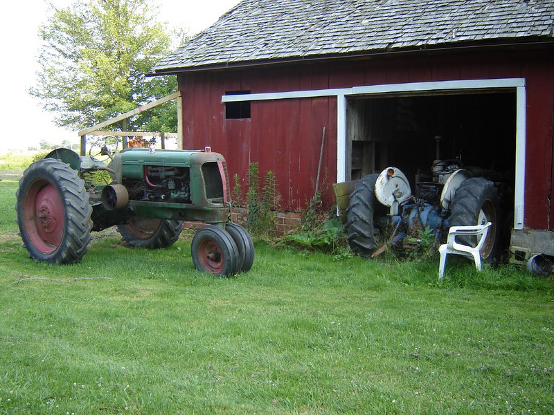 Ohio Vist <br /> Retired Tractors on the Farm